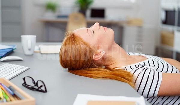 combattere-stanchezza-sonnolenza-dopo-pasti